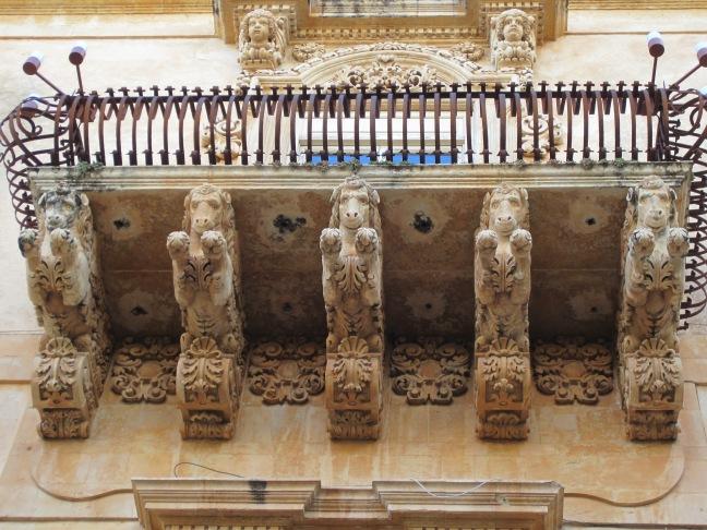 Balcony: Palazzo Nicolaci di Villadorata